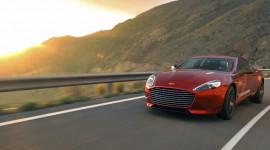 Nữ hoàng Aston Martin Rapide S 2013