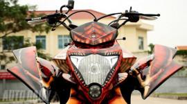 """Honda Bros 650 """"phiên bản rồng"""" đầu tiên tại Sài Gòn"""