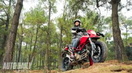"""Ducati Hypermotard 1100 - """"Mô tô khủng"""" cho dân mê phượt"""