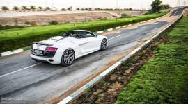 """Audi R8 V10 Spyder: Xế """"khủng"""" mang nét hào hoa"""