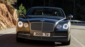 """Lộ ảnh """"nóng"""" Bentley Continental Flying Spur 2014"""