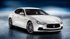 Maserati Ghibli: Thách thức cả BMW 5-Series và Mercedes E-Class