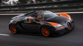 Xuất hiện xe mui trần nhanh nhất thế giới