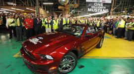 Ford Mustang bước sang tuổi 50