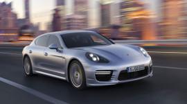 Porsche Panamera 9,5 tỷ đồng sắp về Việt Nam