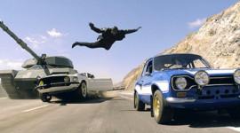 Rùng mình với màn rượt đuổi trong trailer Fast & Furious 6