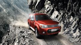 Ford Việt Nam công bố giá Everest 2013 mới