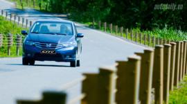 """Đánh giá mẫu xe """"đắt khách"""" của Honda VN - City"""