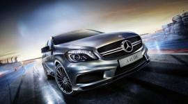 Về Việt Nam, Mercedes-Benz A45 AMG có giá 2 tỷ đồng