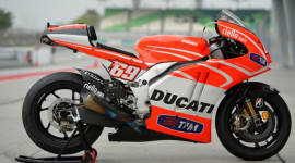 """Đập hộp"" Ducati Desmosedici GP13 vừa về Việt Nam"