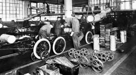 Ford và 100 năm phát triển dây chuyền lắp ráp di động (1)