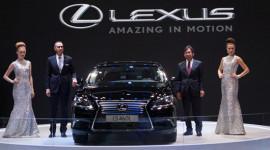 VMS2013 - Nhiều khách hàng muốn mua xe Lexus